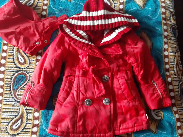 Пальто синтепон.с вязанным съемным капюшоном 3-5лет
