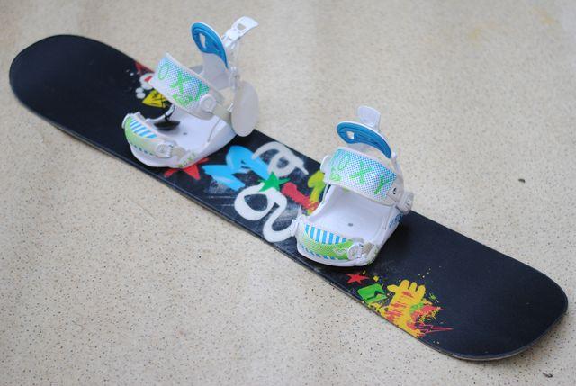 Dziecięca deska snowboardowa NIDECKER MAGIC 120 cm nowe wiązania flow