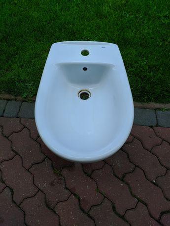 Używany bidet łazienkowy w dobrym stanie