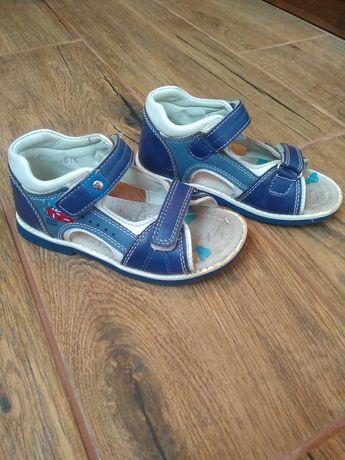 Босоніжки сандалі на хлопчика 29р.