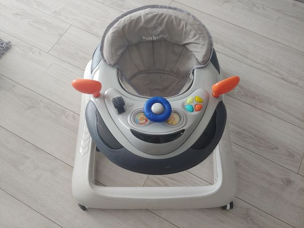 Interaktywny chodzik dla dziecka