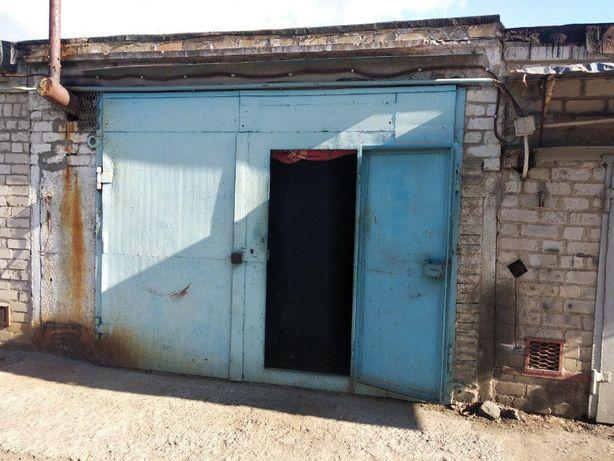Продам большой двойной гараж с подвалом