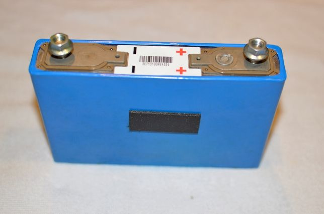 Baterias de Litio YUASA LEV40N - 2.1 kWh lithium-ion / Paineis Solares