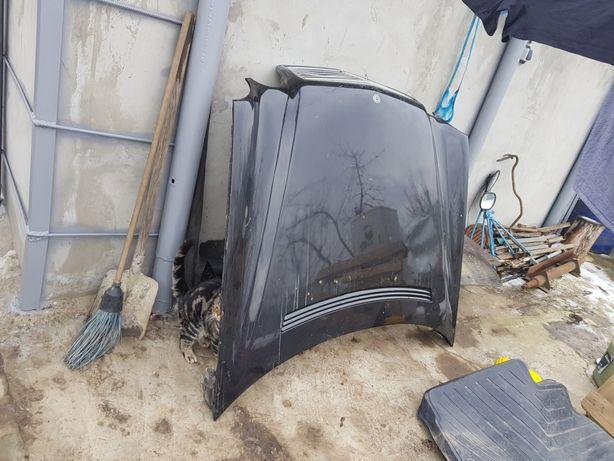 Капот Mercedes 210