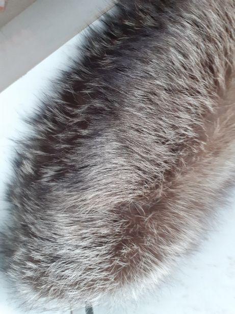 Воротник из меха лисы чернобурки