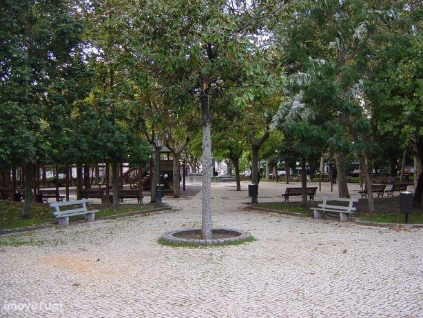 Espaços de Garagem junto ao Parque Catarina Eufémia (Barreiro)