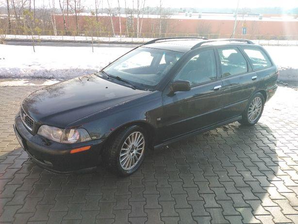 Sprzedam Volvo V40 1.9d 2003rok