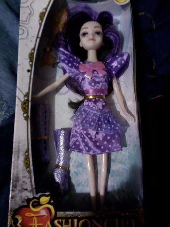 Кукла в фиолетовом