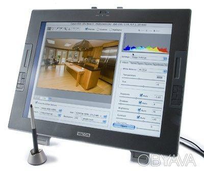 Wacom Cintiq 21UX (Graphic Tablets)