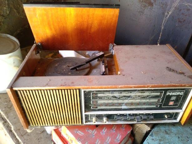 Продам патифон с радио ссср