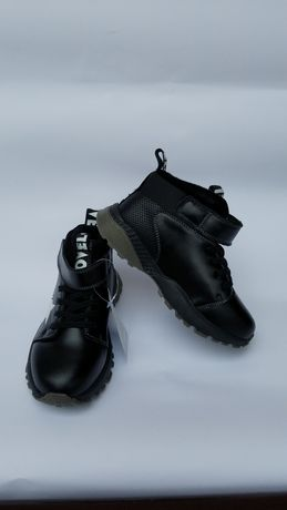 Демісезонні кросівки