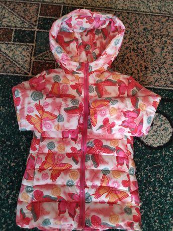 Курточка демисезон девочке 122 см
