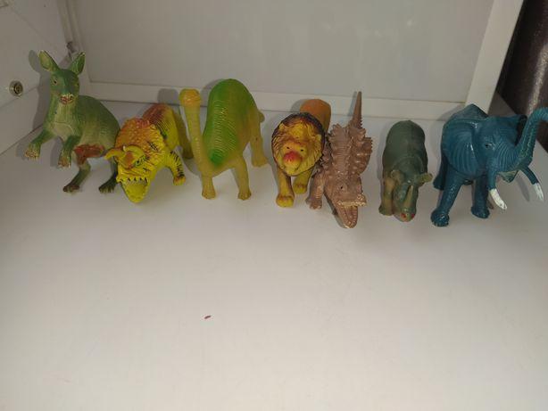 Прорезиновые фигурки животных
