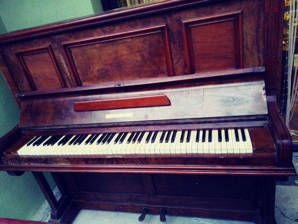 Pianino antyk 1886