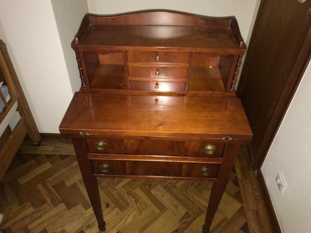 Mesa escrivaninha extensível