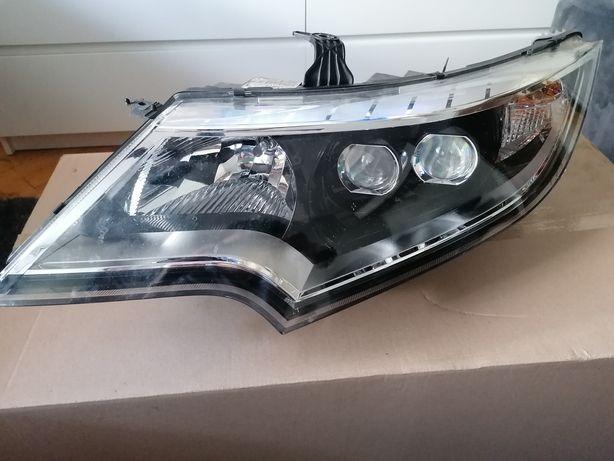 Honda Civic 2015/16. Lampa lewa i prawa full led.