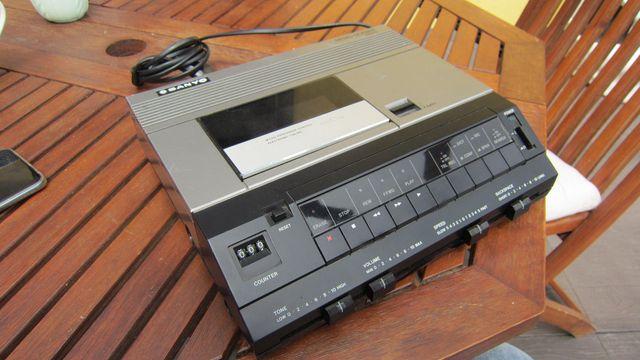 Sanyo TRC 9100 magnetofon