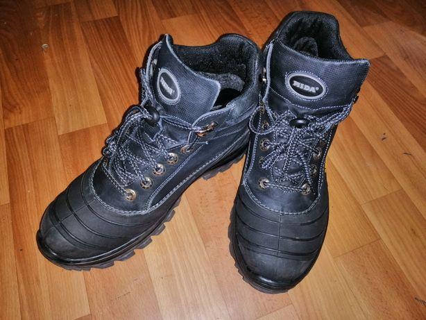 Продам зимние ботинки Mida