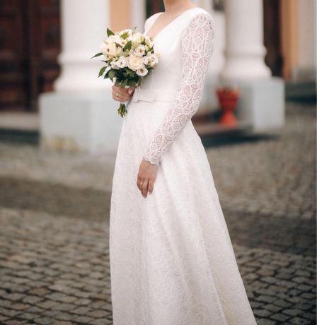 Весільна сукня !!