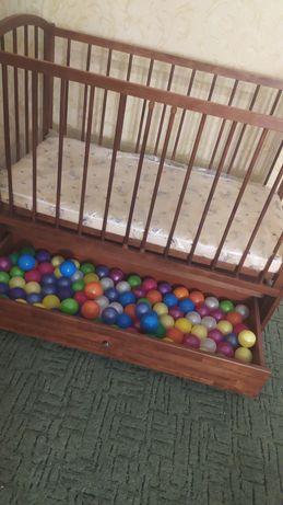 Детская кроватка ( Торг уместен)