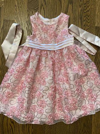 Продам нарядное платье в идеальном состояний