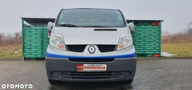 Renault trafic  2,0 diesel 115 koni Roczna
