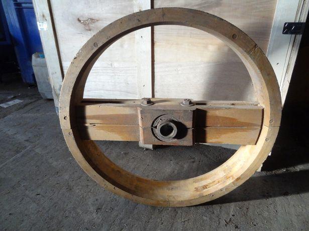 Stare zabytkowe koło pasowe drewniane