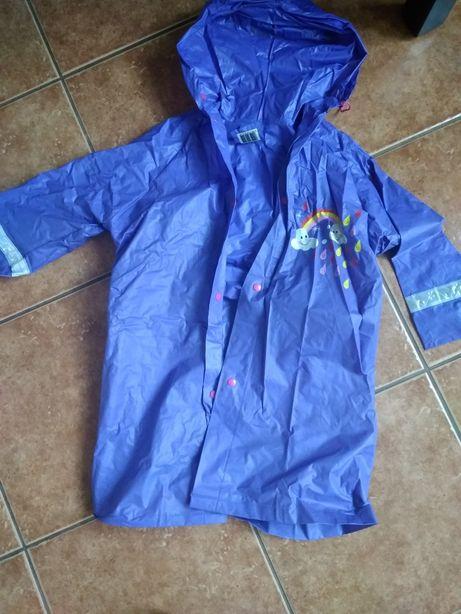 Płaszcz przeciwdeszczowy r. 104-110