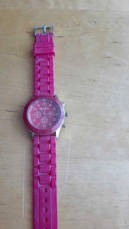 Zegarki damskie w bardzo dobrym stanie