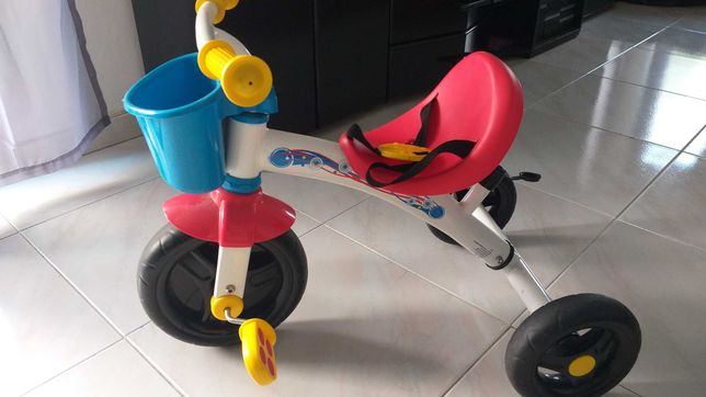 Triciclo de criança chicco