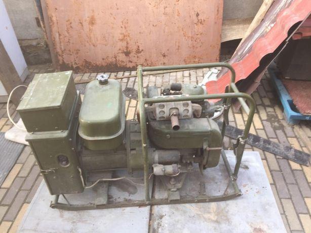 Продам армейский генератор 7500 грн