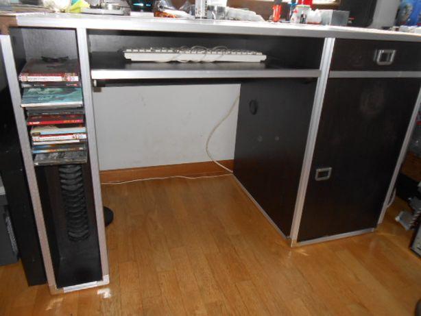 biurko Vox DJ Metalik z półką na CD kolekcja dla nastolatka