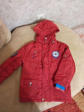 Детская осенняя куртка на 5-6лет