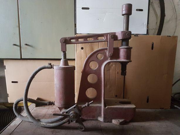 Napownica, prasa, zakuwarka pneumatyczna