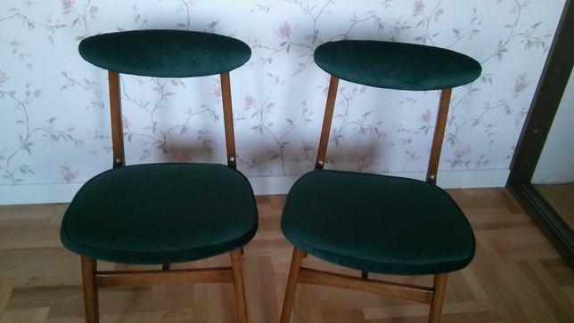 Krzesła Hałas.serduszko.biurko prl