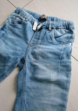Spodnie jeans 140