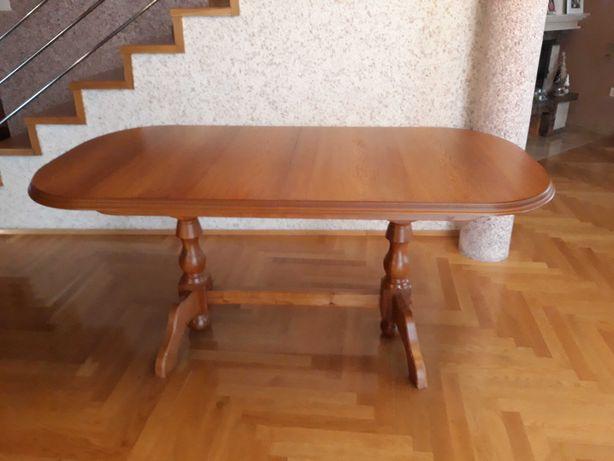Stół i krzesła do sprzedania