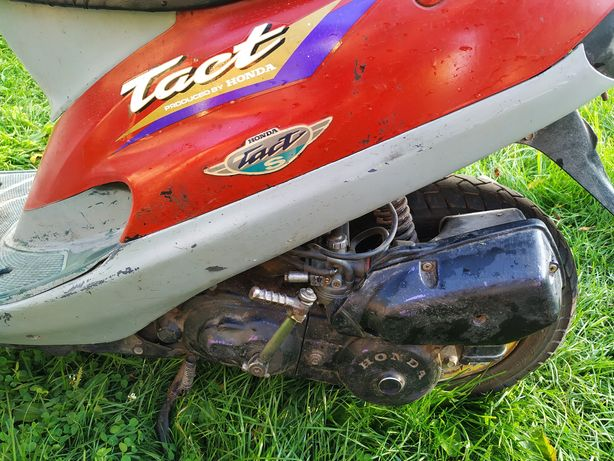 скутер Honda Tact 31