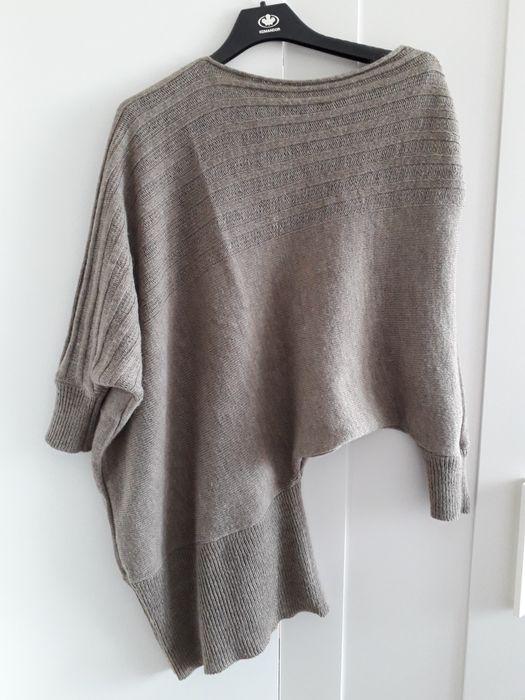 Asymetryczny sweter 40% moher, 30% wełna, 30 % akryl ciemny beż Czeladź - image 1
