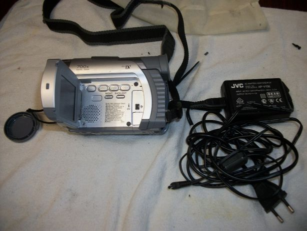 Видеокамера GR-D21e