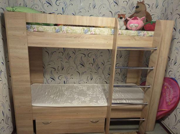 Двухъярусная кровать в отличном состоянии