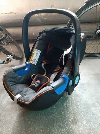 Zestaw Britax Romer Baby-Safe i-Size 0-13kg Storm Grey + Baza Isofix i