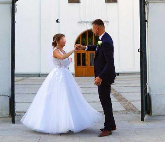 Suknia ślubna rozm. M/L, wzrost 158 cm + szpilka 8 cm.