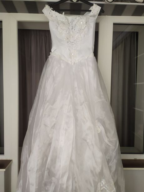 Свадебное платье.Размер 44-48