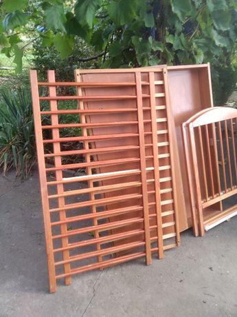 łóżeczko drewniane dla dziecka + szuflada +dodatki