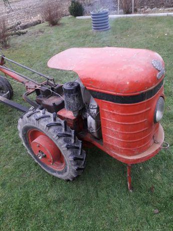 Dzik 2 traktorek
