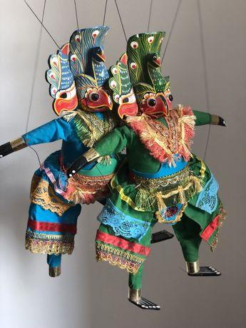 Dwie piękne lalki przywiezione z Indonezji Indonezja Java marionetki