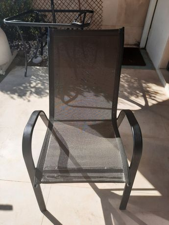 4 Cadeiras area externa    (jardim )