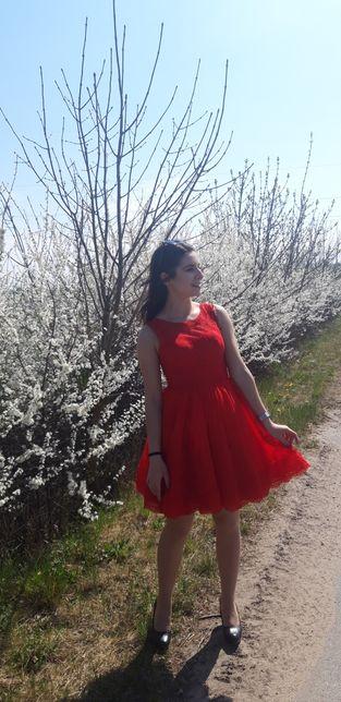 Czerwona sukienka 34