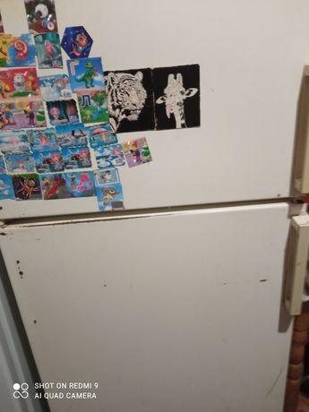 Холодильник привезений з Німеччини.